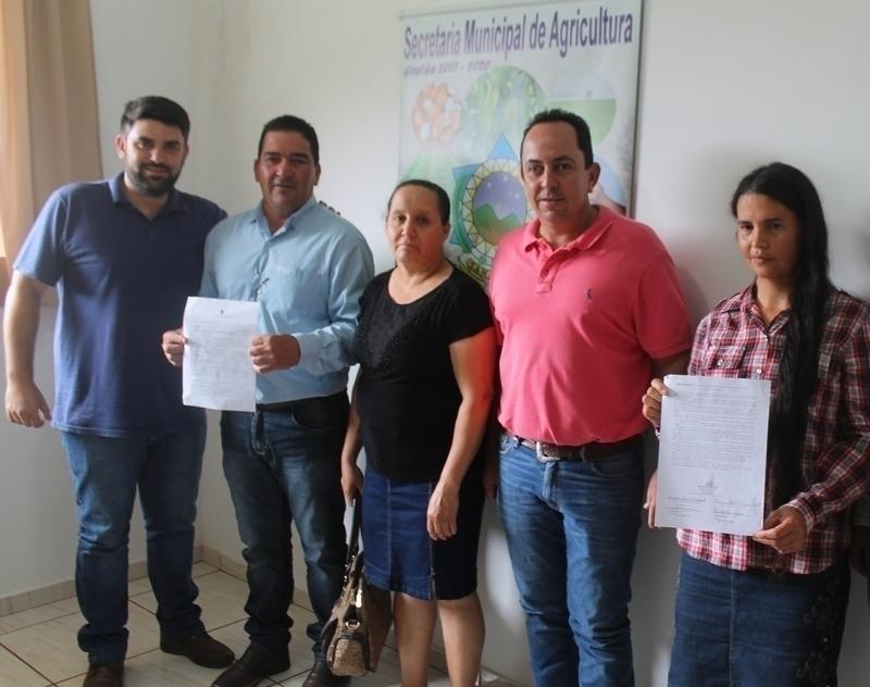 Mais de 70 famílias de seis assentamentos rurais recebem contratos de concessão de uso