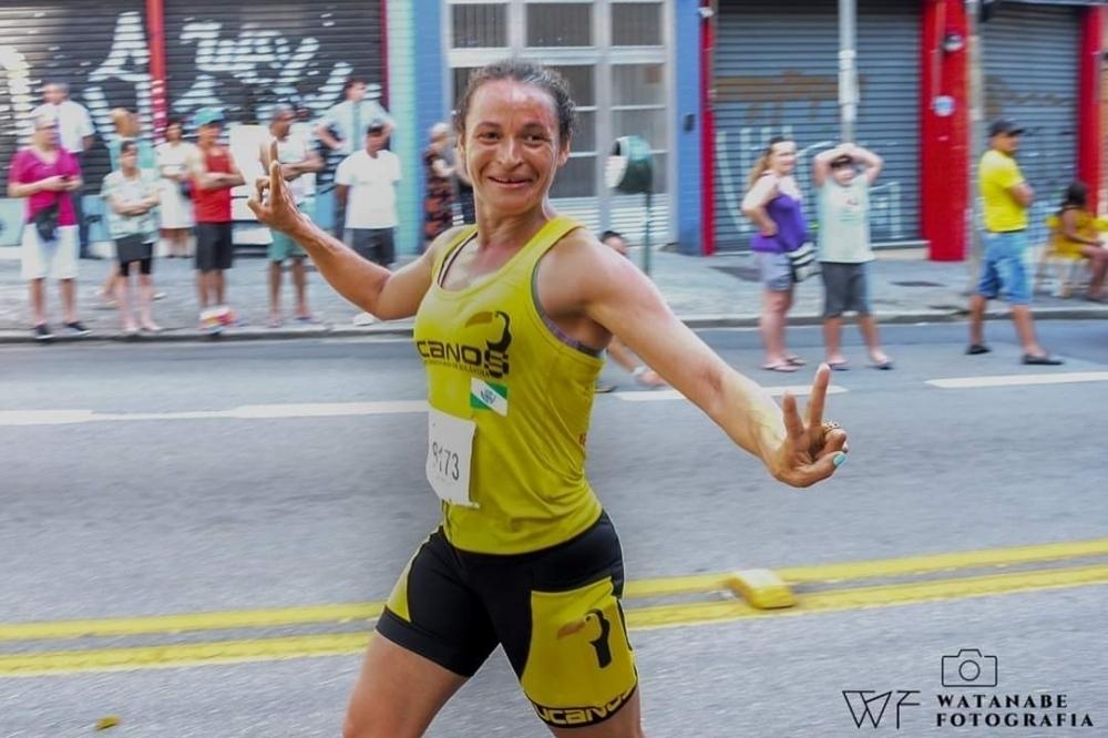 Com ajuda de programa do município, corredora de Tamarana se destaca em prova internacional