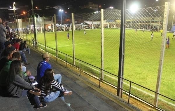 Os Bárbaros e São Roque disputam final da copa de suíço