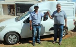 Veículo cedido pela prefeitura facilita trabalho de cooperativa de agricultores familiares