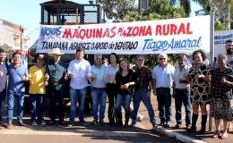 Tamarana comemora novas máquinas para estradas rurais e caminhões para agricultura familiar