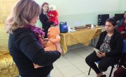 Campanha conscientiza mães e pais sobre papel fundamental da amamentação