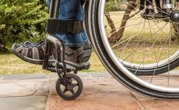 Através de enquete, população pode ajudar Saúde a receber cadeiras de rodas
