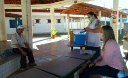 Para evitar aglomerações, Saúde realiza vacinação contra gripe em escolas